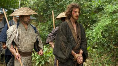 Andrew Garfield spiller den katolske præst, Rodrigues, der tages til fange af en japansk inkvisitor i Martin Scorseses nye film, 'Silence'.