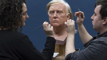I London arbejdes der på en voksbuste af USA's nyindsatte præsident. Trump er blevet bannerfører for en populistisk og nationalistisk tendens, men Europa, Rusland og Kina kan selv