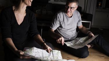 Det erfarne vandrepar Sofie og Flemming Scheutz tog i sommer to måneder ud af kalenderen for at begive sig ud på en 900 kilometer lang fodvandring fra kyst til kyst i de franske Pyrenæer. Det har lært dem at elske peanuts, 'pyt' og gå frejdigt ind i uendeligheden