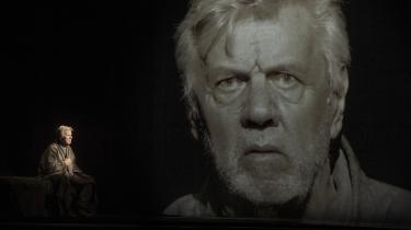 Morten Grunwald er suveræn på Østre Gasværk i Becketts monolog Hva' Joe om kærligheden, han satte over styr.  Foto: