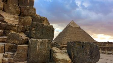 Nildeltaet byder stadig på overraskelser for arkæologer fra hele verden – og både klassiske og moderne metoder tages i brug i jagten på faraoernes hemmeligheder i et land, der er som støvsuget for vestlige turister