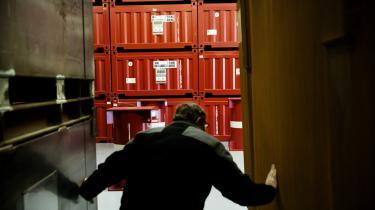 Det danske atomaffald, der er deponeret efter forsøg på Risø. Rundt om i landet håber borgergrupper, at de ikke bliver naboer til et permanent slutlager for affaldet.