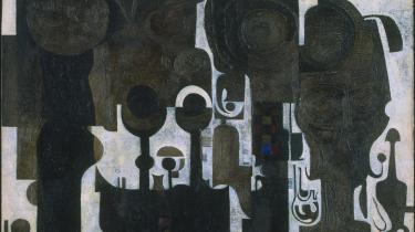 Kuratorerne har hængt et lille abstrakt maleri af den sudanesiske maler Ibrahim El-Salahi fra 1964 op, der hvor Picassos Kortspilleren plejer at hænge.