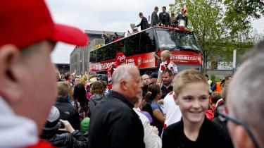 AaB i det traditionelle triumftog gennem Aalborg efter i 2014 at have vundet mesterskabet i Superligaen. En sejr er en sejr for hele byen.