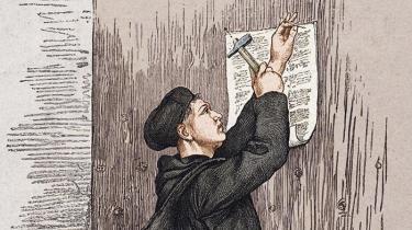 Professor Frederik Stjernfelt har et par alvorsord at fortælle os om Martin Luther. For før vi kommer alt for godt i gang med fejringen af 500-året for reformationens begyndelse og skåltalerne til manden, der har fået æren for at lægge kimen til alt fra menneskelig frihed over demokrati til velfærdsstaten, bør vi tage et kritisk kig på Luthers egne ord