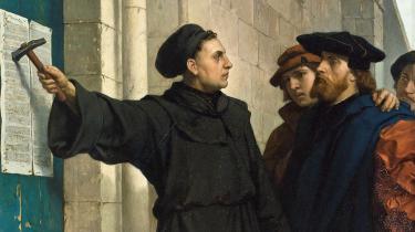 Eleverne ser Luther som en slags god oprører, fortæller Janne Skovbjerg, der underviser i religionskundskab på 8. og 9. klassetrin. 'Men de erfarer også, at der er et tvist. Men de får også at vide, at han var ikke bare sådan en flink og rar mand,' siger hun. Maleri af Ferdinand Pauwels (1830–1904)