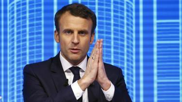 Af venstreorienterede er Emmanuel Macron blevet mistænkt for i virkeligheden at være højreorienteret. Det nu fremlagte program indeholder da også flere forslag, der peger i den retning