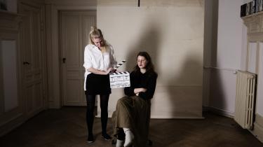 Op mod hundrede kvinder har været forbi instruktør Mette Carla Albrechtsens hjemmestudie på Østerbro. Fra stolen i stuen har de fortalt om seksuelle erfaringer, tanker om krop og intimitet, om sex og også lidt om kærlighed