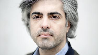 Den syriske dokumentarfilminstruktør Feras Fayyad kan ikke vende tilbage til Syrien. 'Bare det, at jeg skildrer, hvad der foregår, opfattes som aktivisme,' forklarer instruktøren til den CPH:DOX-aktuelle film 'De sidste mænd i Aleppo'.
