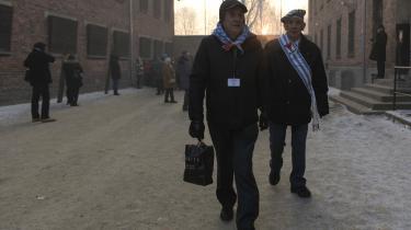 'De taler om jødeudryddelsen under Holocaust, men Holocaust er jødeudryddelsen,'siger Thomas Brudholm, der er lektor i Minoritetsstudier på Københavns Universitet, og kritisk over for det nye undervisningsmateriale til Auschwitz-dagen på landets folkeskoler og gymnasier. Her markerer Holocaust-overlevere 72-års dagen for befrielsen af den berygtede kz-lejr.