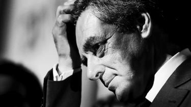 'Alle gør jo den slags,' siger en af Fillons faste støtter om den franske præsidentkandidats skandalesager, da Informations korrespondent er til vælgermøde i Provins.