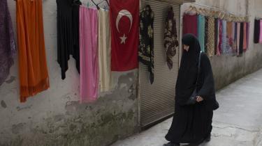 Den feministiske aktivist Şehlem Kagar fortæller, at hun føler sig truet, når hun går på gaden i Tyrkiet: 'Vi oplever det i vores hverdag. Voldsstatistikkerne er stigende ligesom antallet af voldtægter.'