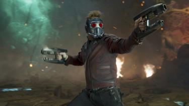 Også 'Guardians of the Galaxy Vol. 2' er en underholdende superheltefilm om familier af den slags, man selv vælger