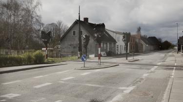 Normalt drøner folk lige igennem Mørke via landevej 21, der forbinder København med Randers, mens snart bliver det anderledes, for beboerne står sammen om at forny og forbedre deres landsby.