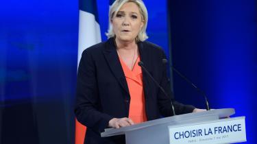 Marine Le Pen vil indlede en gennemgribende forandring af hendes bevægelse for at danne en ny politisk magtfaktor, som mange franskmænd har efterlyst, og som er mere nødvendig end nogensinde for at kunne rejse Frankrig, sagde Marine Le Pen efter at hun havde erkendt nederlaget til Emmanuel Macron