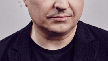 'Jeg tror ikke, at film spiller nogen særlig stor rolle i samfundet,' siger den rumænske filmskaber Cristian Mungiu, der er aktuel med dramaet 'Prøven'. Foto: Camera Film/Dan Beleiu