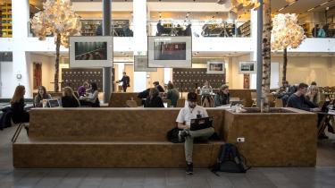 Der skal en særlig kynisme til for at kunne insistere på, at det er ubetinget gavnligt, at flere unge tager lange videregående uddannelser, skriver dagens kronikør.