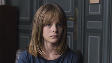 Eve, der spilles af den fabelagtigt talentfulde Fantine Harduin, er et offer for generationers nedarvede følelsesmæssige afstumpethed i Michael Hanekes 'Happy End'. Foto: Filmfestivalen i Cannes