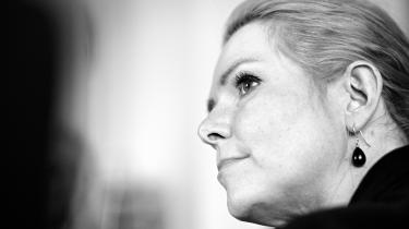 Inger Støjberg får læserne til at tro, at ombudsmanden og deres politiske modstandere går ind for barnebrude. Det er vildledning af de danske borgere, mener retorikprofessor Christian Kock