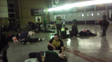Efter en koncert med Ariana Grande i Manchester Arena, spængte en mand en bombe. Mindst 22, herunder børn, blev dræbt