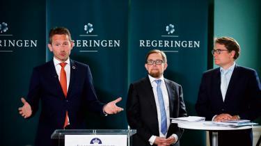 Tre af regeringens ministre – finansminister Kristian Jensen (V), økonomi- og indenrigsminister Simon Emil Ammitzbøll (LA) og erhvervsminister Brian Mikkelsen (K) – fremlagde i går regeringens 2025-plan.