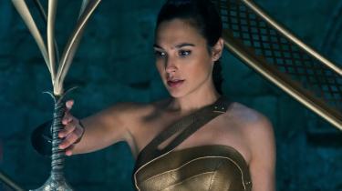Prinsesse Diana, der vokser til Wonder Woman, spillet af israelskfødte Gal Gadot.