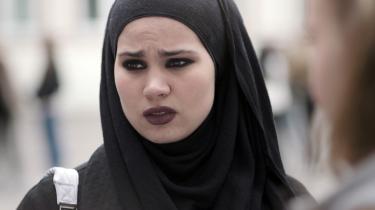 Syvende afsnit af denne fjerde og sidste sæson af Skam er frustrerende forudsigeligt i sin udfoldelse af Sanas dilemmaer.