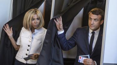 Emmanuel Macron afgiver sin stemme i Le Touquet, Nordfrankrig. Alt tydede i går på endnu en markant valgsejr til den franske præsident