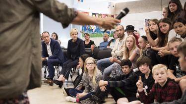 Kulturminister Mette Bock (LA) indledte mandag, hvad hun kalder en 'generationsrejse' rundt i landet for at tale med befolkningen om deres ønsker til, brug af og holdninger til fremtidens danske medieindhold. Første stop var hos sjetteklasserne på Fællesskolen Hammelev Sct. Severin i Haderslev.