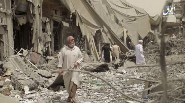 Den London-baserede organisation Airwars vurderer, at mere end 600 civile er blevet dræbt i Raqqa-området i mere end 150 flyangreb, gennemført af den amerikansk-ledede koalition i løbet af marts, april og maj
