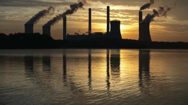 Kulkraftværk idelstaten Georgia.Vi skal blive meget bedre til at mindske udledningen fra fødevareproduktionen, udfase brugen af kul samt energieffektivisere bygninger, skriver Katherine Richardson.