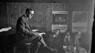 Forfatter Klaus Rifbjerg var en af de kunstnere, der i halvtredserne og tresserne også var en vigtig stemme i den offentlige debat , når det kom til spørgsmålet: hvorfor velfærd?