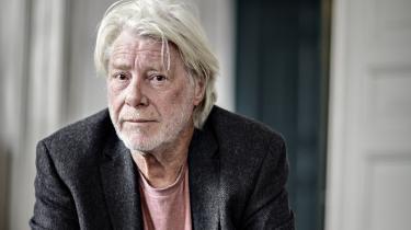 Claus Clausen grundlagde, sammen med sin hustru, Suzanne Giese, Tiderne Skifter i 1973.Efter parret blev skilt, førte Claus Clausen forlaget videre selv.