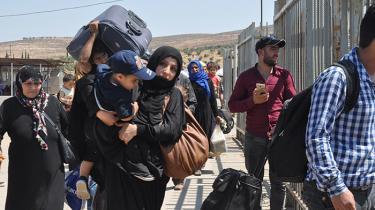 Der er pres på de tre åbne grænseovergange mellem Tyrkiet og Syrien, som for første gang i to år er blevet åbnet, så syriske flygtninge kan komme hjem og fejre Eid. Men mange vender ikke tilbage til Tyrkiet. Her er det grænseovergangen nær Kilis
