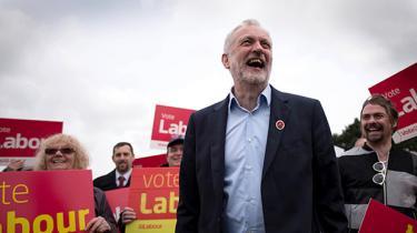 Hvis socialistiske partier skal ændre samfundet, skal de forene det parlamentarisk arbejde og folkelig bevægelse; reformkamp og samfundsomvæltende kamp
