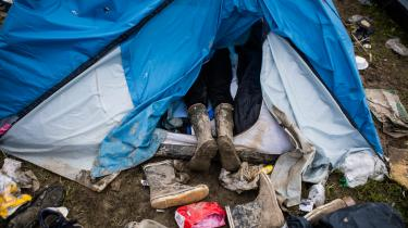 'Mit forslag går på, at mænd under 21 år ikke skal have adgang til campingområdet, uanset etnicitet. For mig at se har den her debat intet at gøre med etnicitet. Det handler om unge mænd, hvor nogle af dem desværre har en bestemt seksualitetskultur,' siger Alternativets Henrik Marstal, som i Politiken har fremført fem forslag for at sikre, at kvinder fremover ikke udsættes for seksuelle overgreb på Roskilde Festival.