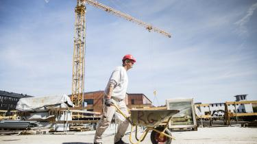 De danske politikeres ensidige fokus på at styrke udbuddet af arbejdskraft i forlængelse af finanskrisen betød, at det tog længere tid at få gang i beskæftigelsen i Danmark.