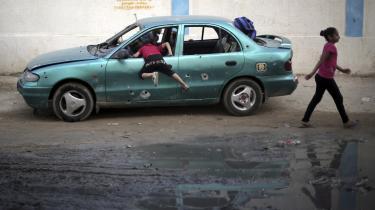 'Gaza har fortsat kurs mod totalt forfald, i mange tilfælde endnu hurtigere end vi havde forudset,' siger Robert Piper, der er FN-koordinator for humanitær bistand og udvikling
