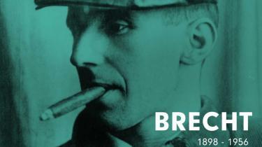 Bertolt Brecht var uovertruffen som stykkeskriver og teaterteoretiker, men er overvurderet som lyriker. For hvad er det dog for sider i bøger, hvor en satsning på flertydighed næsten bliver en forbrydelse?