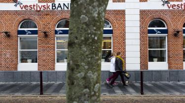Staten har solgt sine aktier i Vestjysk Bank for en slik. I Danmark står den ideologiske modvilje mod offentlig deltagelse i banksektoren åbenbart over fornuftigt købmandskab