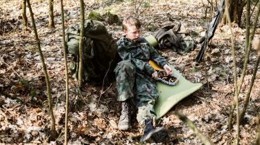 Baltere helt ned til 12-årsalderen får militærtræning og indprentes 'et patriotisk sindelag'. Frygten for russisk invasion har fået tusindvis af estere, letter og litauere til at slutte sig til paramilitære grupper.