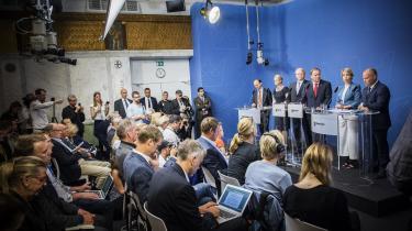 Skandalen om et potentielt læk af data i Sverige kostede to ministre jobbet. Nu advarer Datatilsynet om, at noget lignende kan være sket i Danmark. Her præsenterer den svenske statsminister Stefan Löfven sin nye regering efter ministerrokaden.