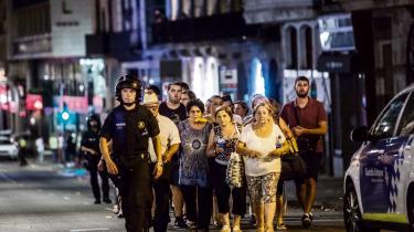 Sir Ivor Roberts, tidligere leder af det britiske udenrigsministeriums indsats imod terrorisme, mener, at it-selskaberne kan gøre meget mere for at modvirke opfordringer til vold af grupper som IS, al-Qaeda og Hamas.