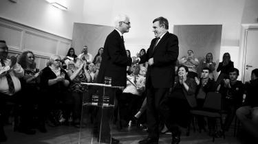 Gordon Brown og Alistair Darling blev anerkendt internationalt for deres håndtering af finanskrisen. Anderledes er det gået i hjemlandet, hvor Labours krisehåndtering er blevet skarpt kritiseret – og partiet lider stadig under det image.