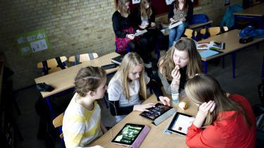 Folkeskolens nye digitale lærings- og samarbejdsplatforme åbner for en vigtig diskussion om elevers ret til privatliv. Hvor meget skal en lærer for eksempel vide om, hvordan en elev klikker sig rundt på en læringsplatform?