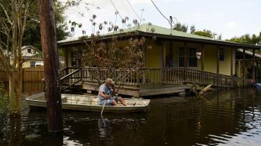 Orkanen Harvey eren påmindelse om, hvad en menneskepåvirket klimaforandring kan komme til at indebære, skriver Göran Rosenberg.