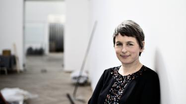 Ifølge Henriette Bretton-Meyer, der er kurator på Kunsthal Charlottenborg, trækker den tyske kunstkritiker Hanno Rauterberg linjerne lidt for hårdt op i sin kunstkritik