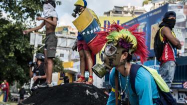 Den venezuelanske regerings hidtidige afvisning af at gå i dialog med oppositionen har ført til voldsomme sammenstød mellem demonstranter og politi i Venezuela
