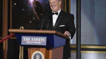 'Det her er det største publikum, der nogensinde har overværet en Emmy – punktum!' sagde Sean Spicer, da han – til nogles forargelse – gæsteoptrådte ved Emmy-prisshowet.