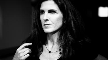 Undervejs i 'Ofte stillede spørgsmål' overvejer Kirsten Hammann, om hun egentlig er i gang med at skrive autofiktion – og irriteres straks over begrebet.